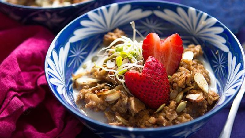 Overnight Slow-Cooker Muesli