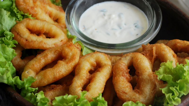 Beer-Battered Calamari with Garlic-Lemon Mayonnaise