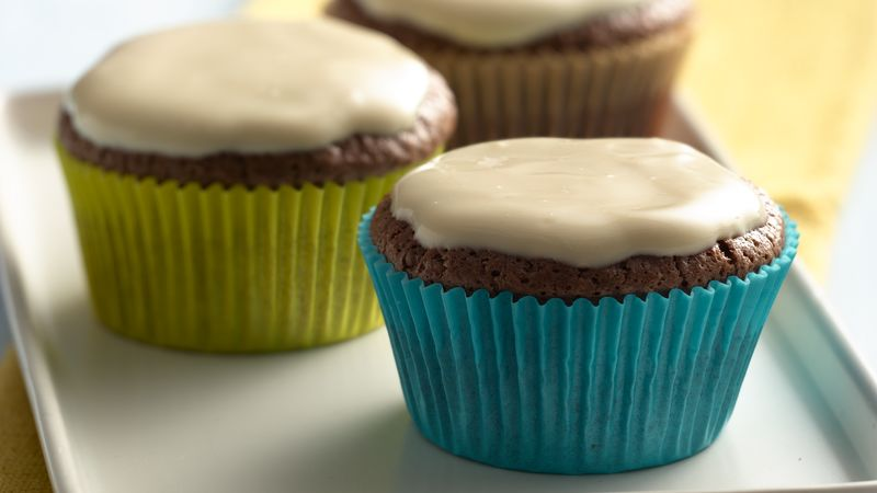 Chocolate Cupcakes with Vanilla Yogurt Caramel Frosting