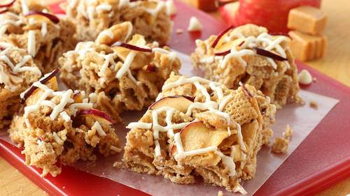 Snack and cereal bar recipes bettycrocker caramel apple chex bars ccuart Image collections