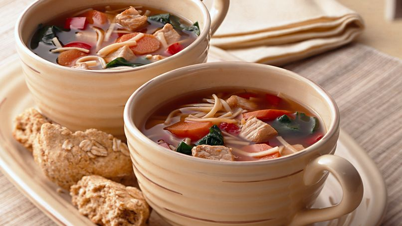Sopa Asiática de Puerco y Tallarines