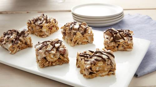 Cereal bar recipes bettycrocker no bake salted caramel golden grahams bars ccuart Image collections