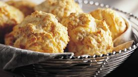Bisquick Heart Smart™ Cheese-Garlic Biscuits
