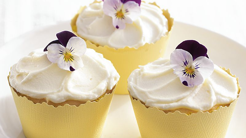 White Chocolate Lemon Cupcakes