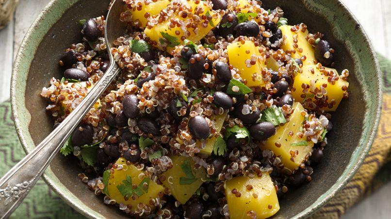 Ensalada de Quinoa, Mango y Frijoles Negros