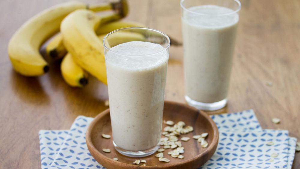 Banana-Oat-Honey Smoothies