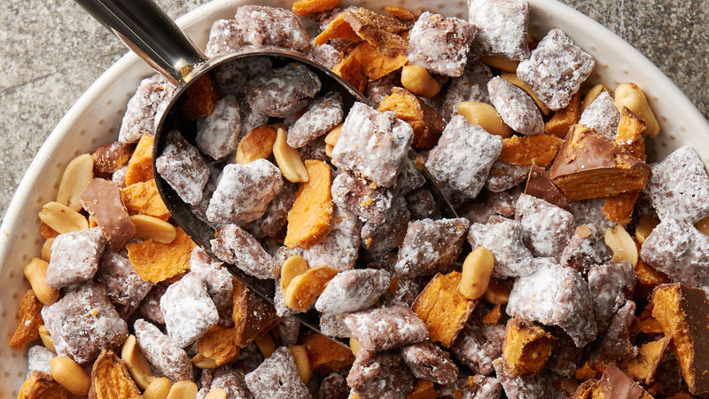 Butterfinger Chex Mix