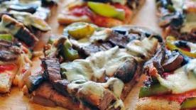 Easy Philly Cheesesteak Pizza
