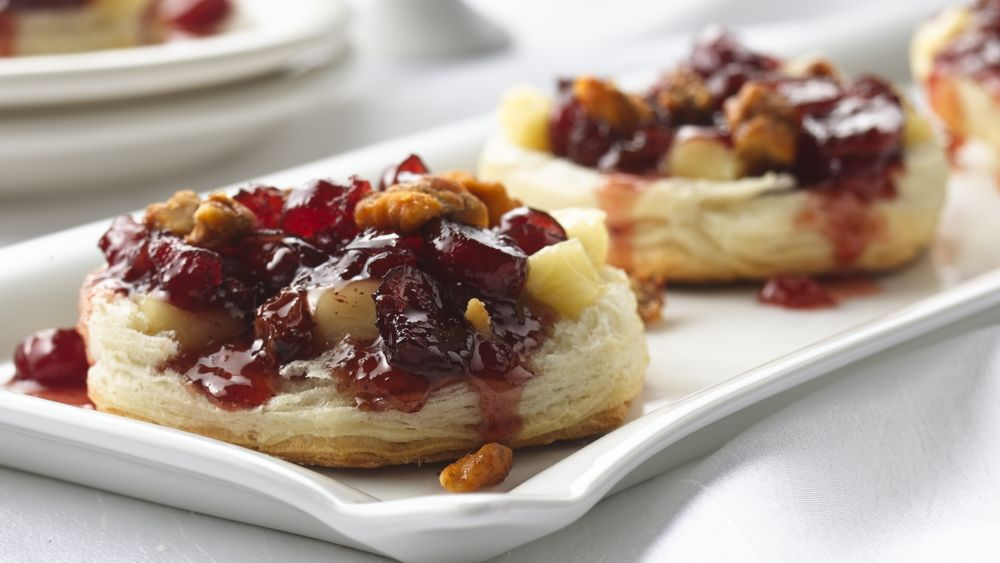 Cranberry Chutney-Brie Appetizers