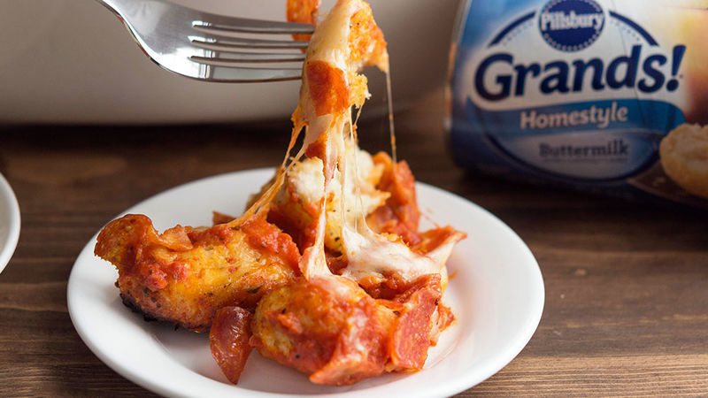 Pepperoni Pizza Slow-Cooker Bubble-Up Bake