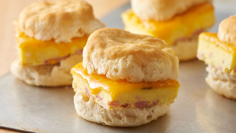 Ham and Cheddar Breakfast Sandwiches