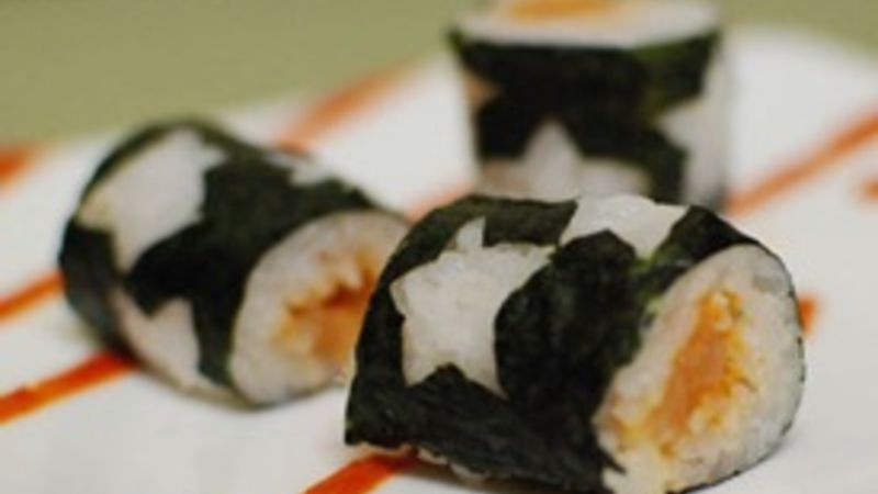 Spicy Salmon Star Rolls