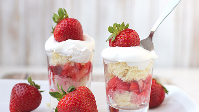 Strawberry Daiquiri Cake Pops