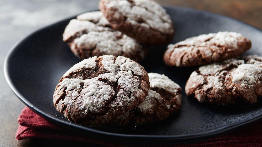 Easy Chocolate Crinkle Cookies