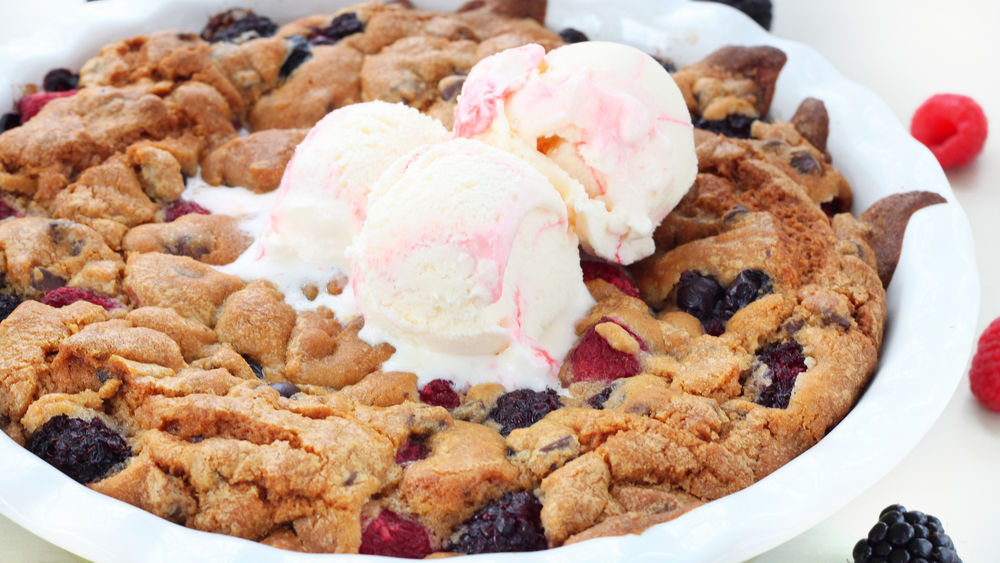 Triple-Berry Cookie Pie