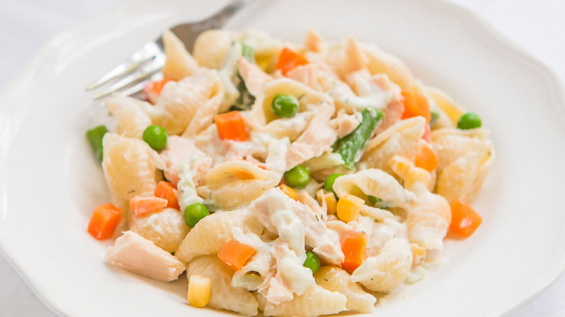 Cold Pasta Salad with Tuna and Vegetables