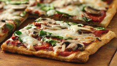 Grilled Spinach and Mushroom Pizza