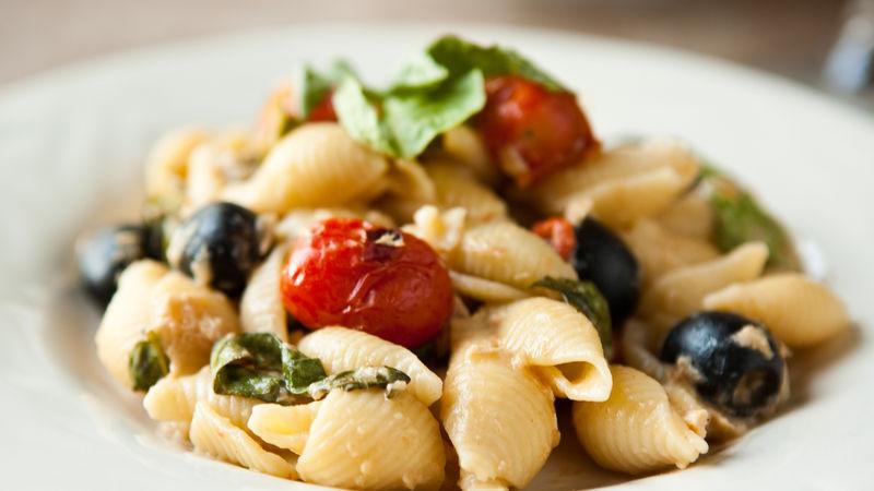 Tuna-Basil Pasta with Olives