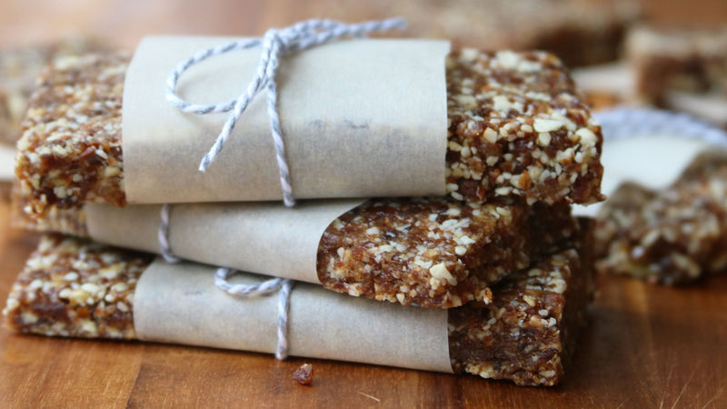 Copycat Apple Pie Larabar™ Bars