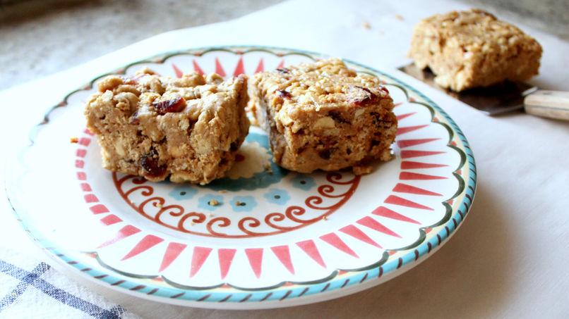 Barritas de Cereal con Mantequilla de Maní, Miel y Arándanos