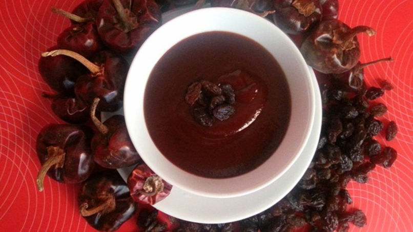 BBQ Sauce with Raisins and Cascabel Chili