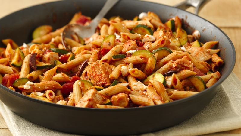 Skinny mediterranean style chicken and pasta recipe bettycrocker skinny mediterranean style chicken and pasta forumfinder
