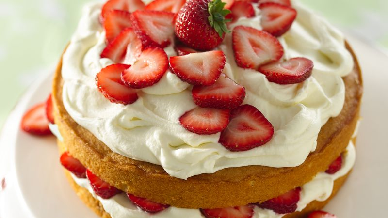 white cake with strawberries strawberry and white chocolate buttercream cake recipe 1308