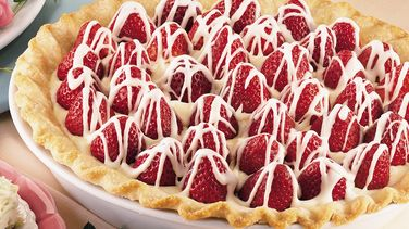 White Chocolate-Strawberry Pie
