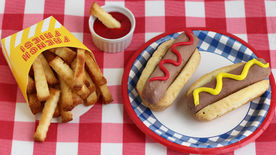 "Chocolate Ice Cream ""Hot Dogs"" and Cake Fries"