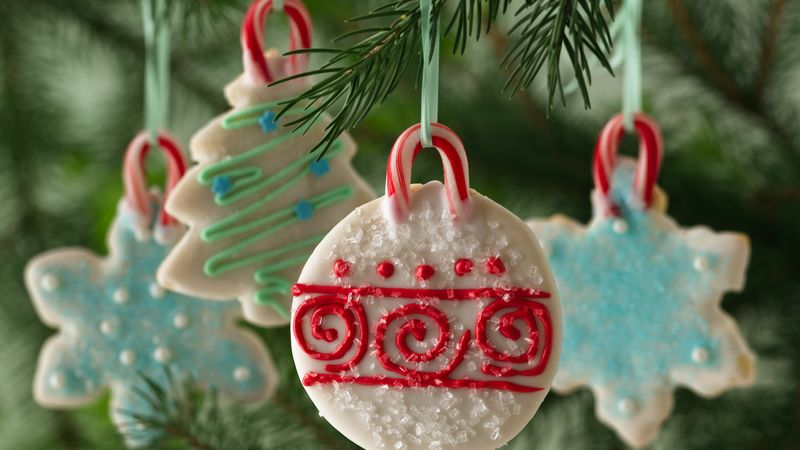 holiday cookie ornaments - How To Decorate Christmas Cookies