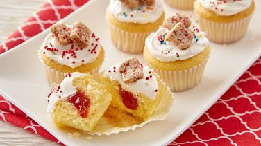 Strawberry Jam Tiny Toast™ Cakes