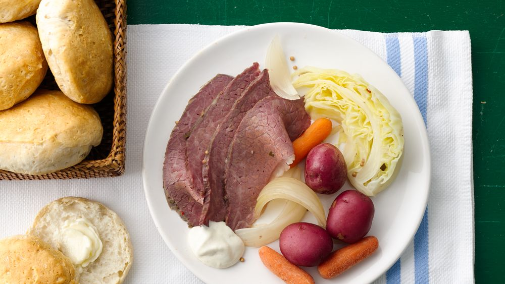 Slow-Cooked Corned Beef and Cabbage Dinner