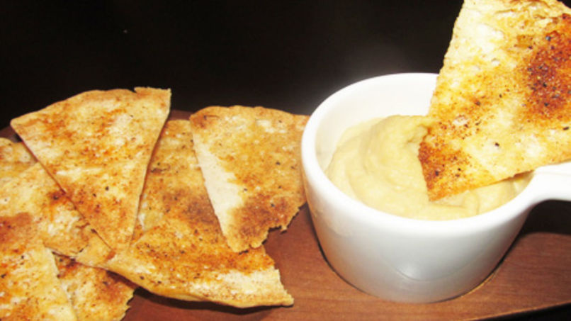Homemade Pita Chips and Hummus