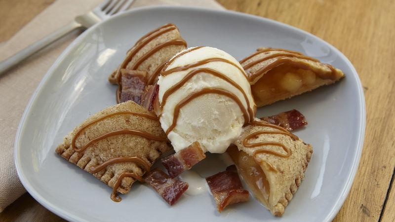 Bacon Caramel Apple Pie Sundae