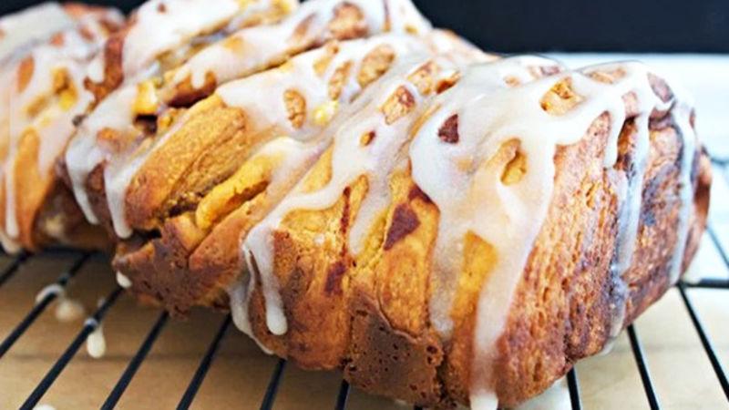 Pumpkin Cheesecake Pull-Apart Bread
