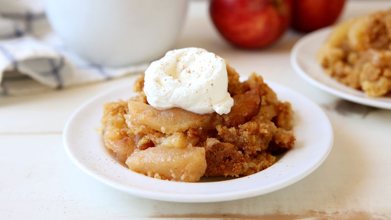 Slow-Cooker Apple-Cinnamon Cobbler