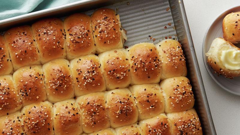 Everything Bagel Dinner Rolls
