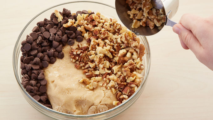 ultimate chocolate chip cookies recipe bettycrocker com