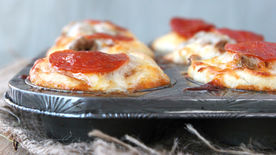 Deep Dish Tin Mini Muffin Pizzas