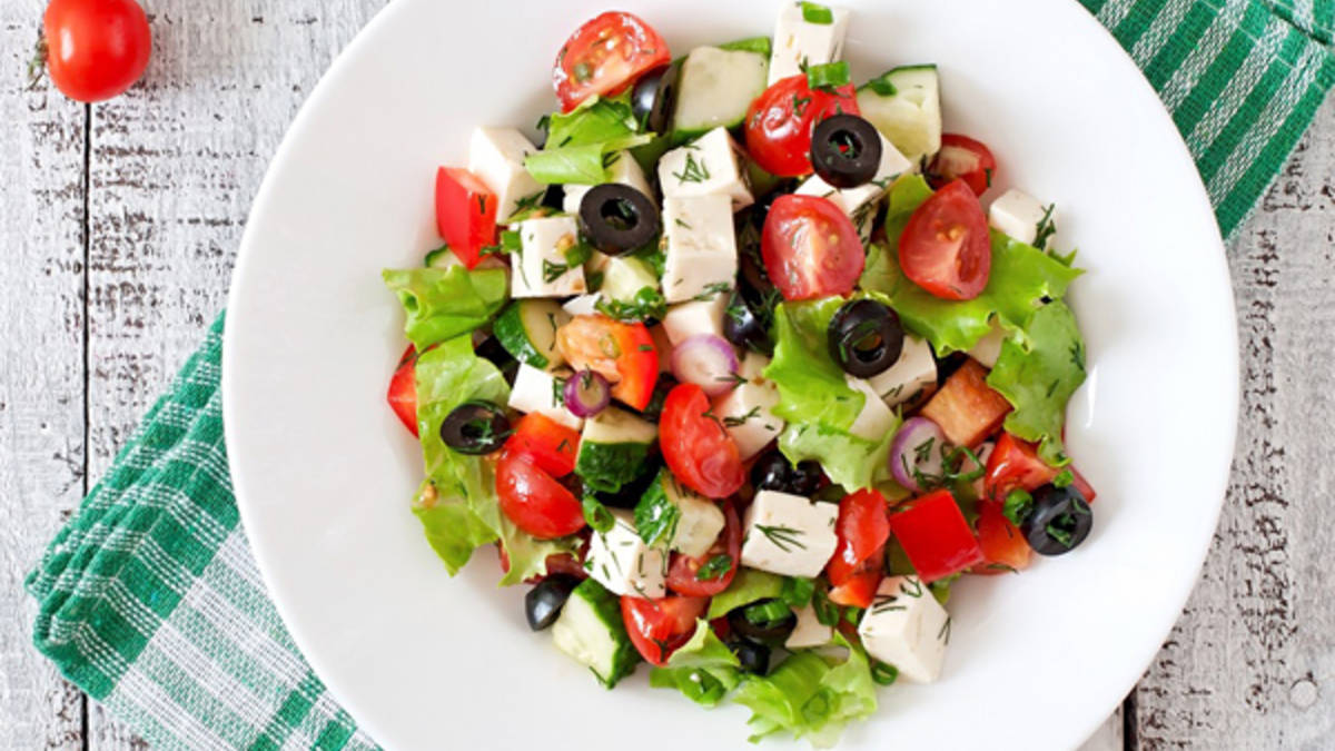 Garden-Fresh Greek Salad Recipe (Gluten Free)