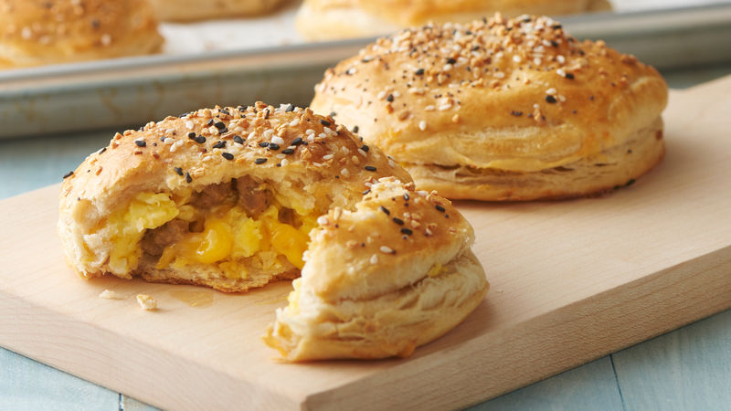 Freezer-Friendly Everything Bagel Biscuit Bombs