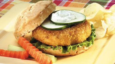 Salmon Burgers with Dill Sauce