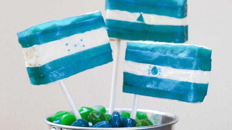 Trío de Banderas Centroamericanas con Fruit by the Foot™