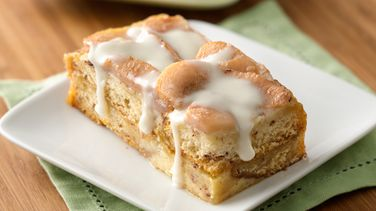 Cinnamon Roll-Pear Bread Pudding