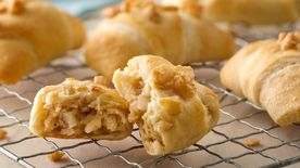 Ginger-Macadamia Breakfast Rolls