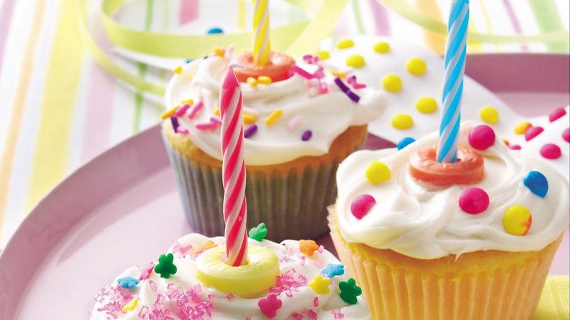 birthday cupcakes recipe bettycrocker com