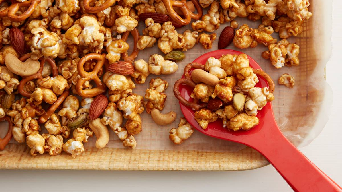 Slow-Cooker Caramel Corn