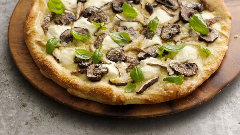 The Cheesy 'Shroom Pizza