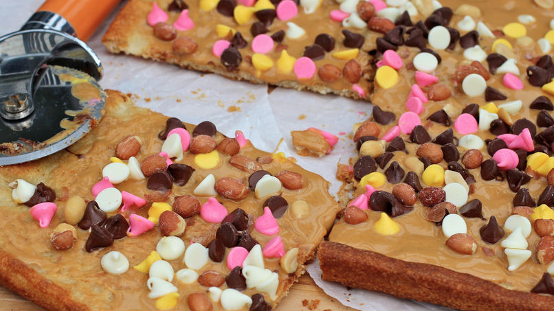 Peanut Butter and Chocolate Pizza