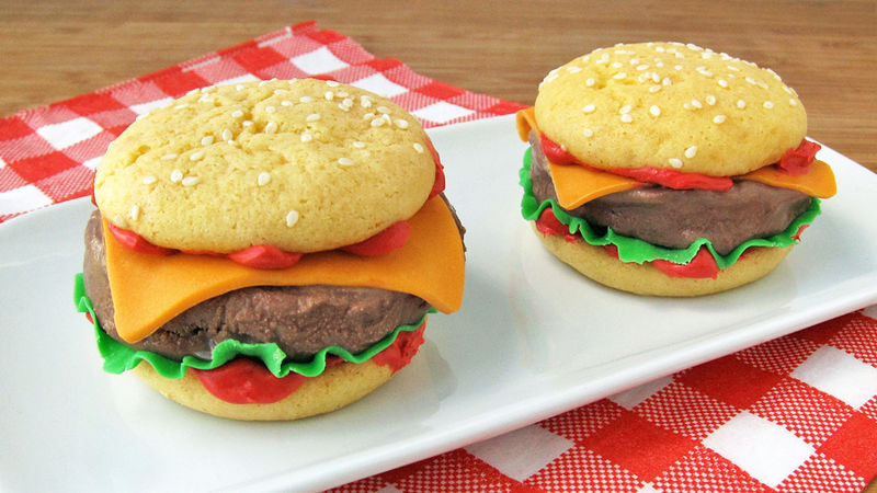 Chilly Cheeseburgers - Ice Cream Sandwich Sliders